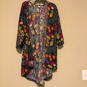 Lularoe Lindsey size small NWT textured colorful